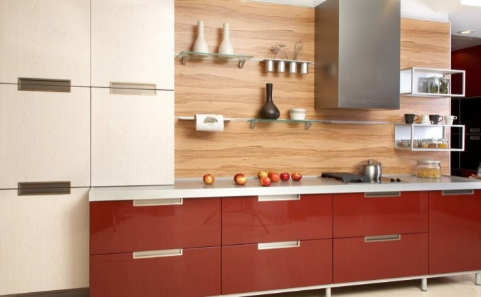 Faux wood finishes are an inexpensive yet attractive way to create a modern kitchen backsplash.