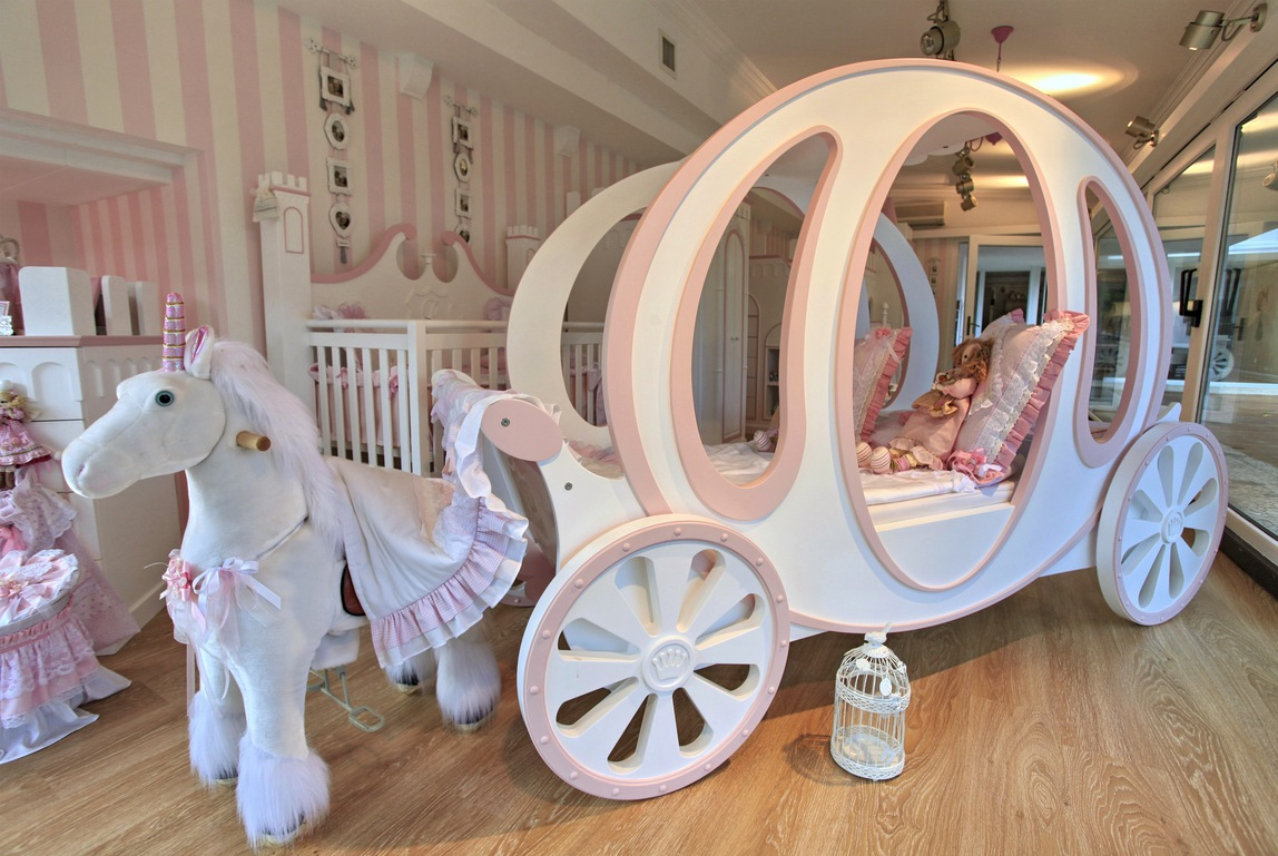 dreams bedrooms beds carriage bed kids room girls room princesses