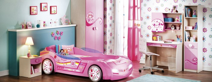 Toddler car beds aren&#039;t just for boys, this hot pink race car is sure to delight any little girl.