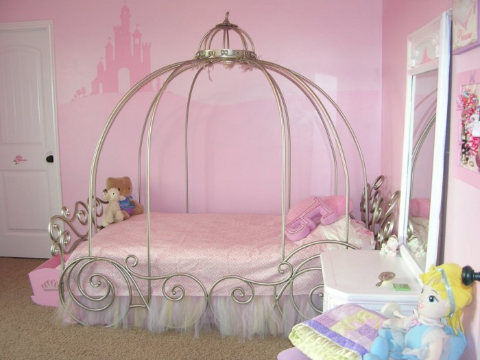 2 little girls bedroom 3