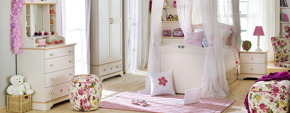 http://www.home-designing.com/wp-content/uploads/2013/02/3-preteen-girls-bedroom-21.jpeg