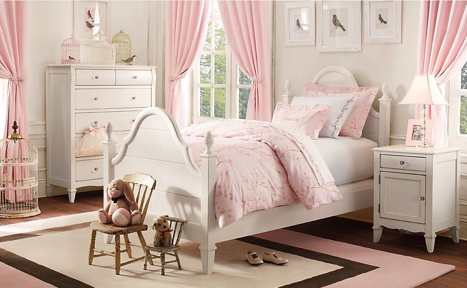 http://www.home-designing.com/wp-content/uploads/2013/02/3-preteen-girls-bedroom-24.jpeg