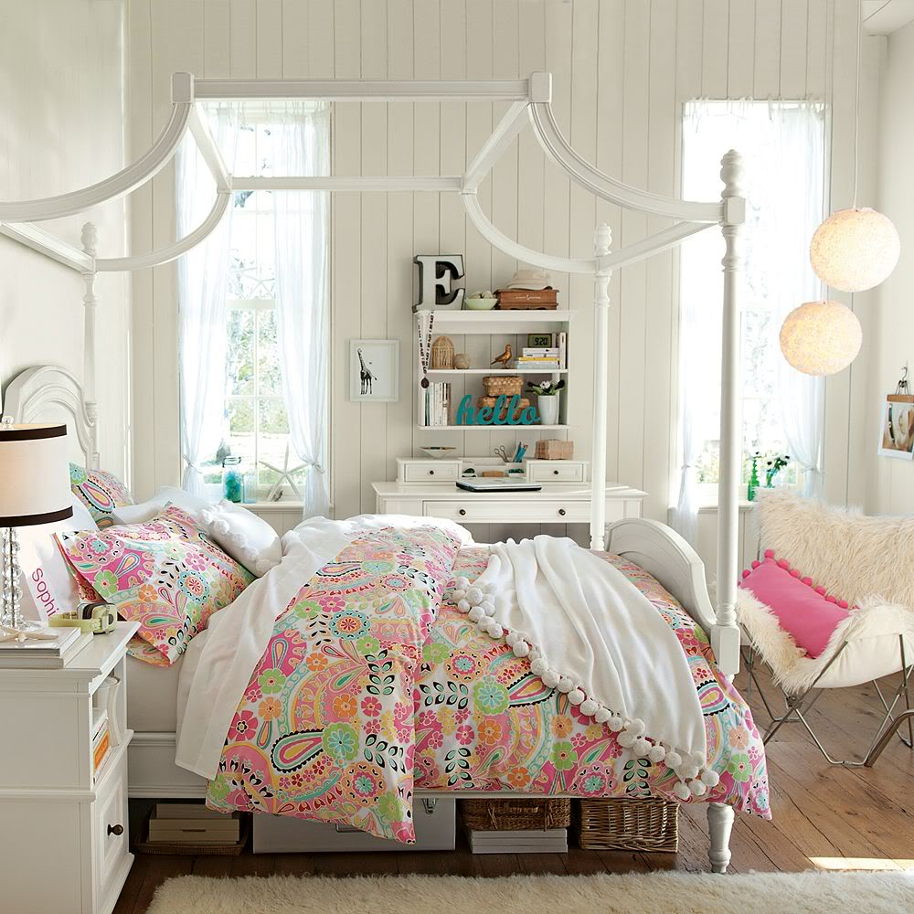 http://www.home-designing.com/wp-content/uploads/2013/02/4-teen-girls-bedroom-17.jpeg