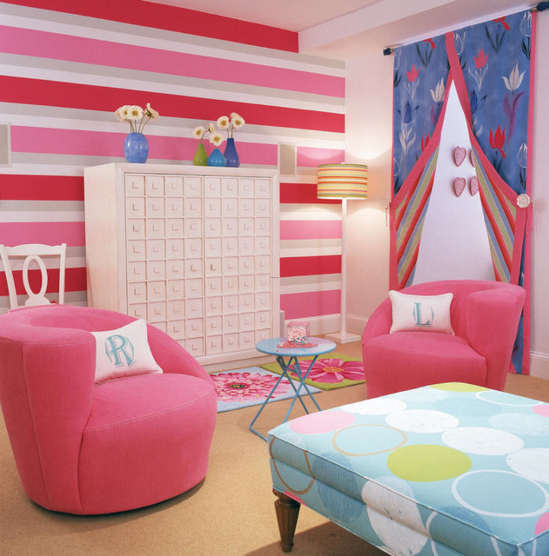 http://www.home-designing.com/wp-content/uploads/2013/02/4-teen-girls-bedroom-2.png
