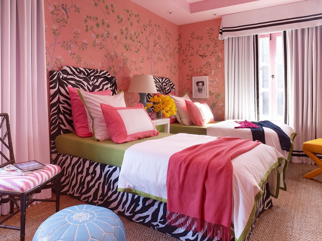 http://www.home-designing.com/wp-content/uploads/2013/02/4-teen-girls-bedroom-44.jpeg