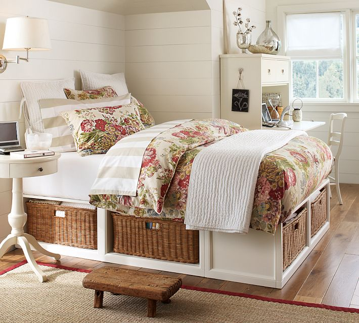 http://www.home-designing.com/wp-content/uploads/2013/02/4-teen-girls-bedroom-48.jpeg