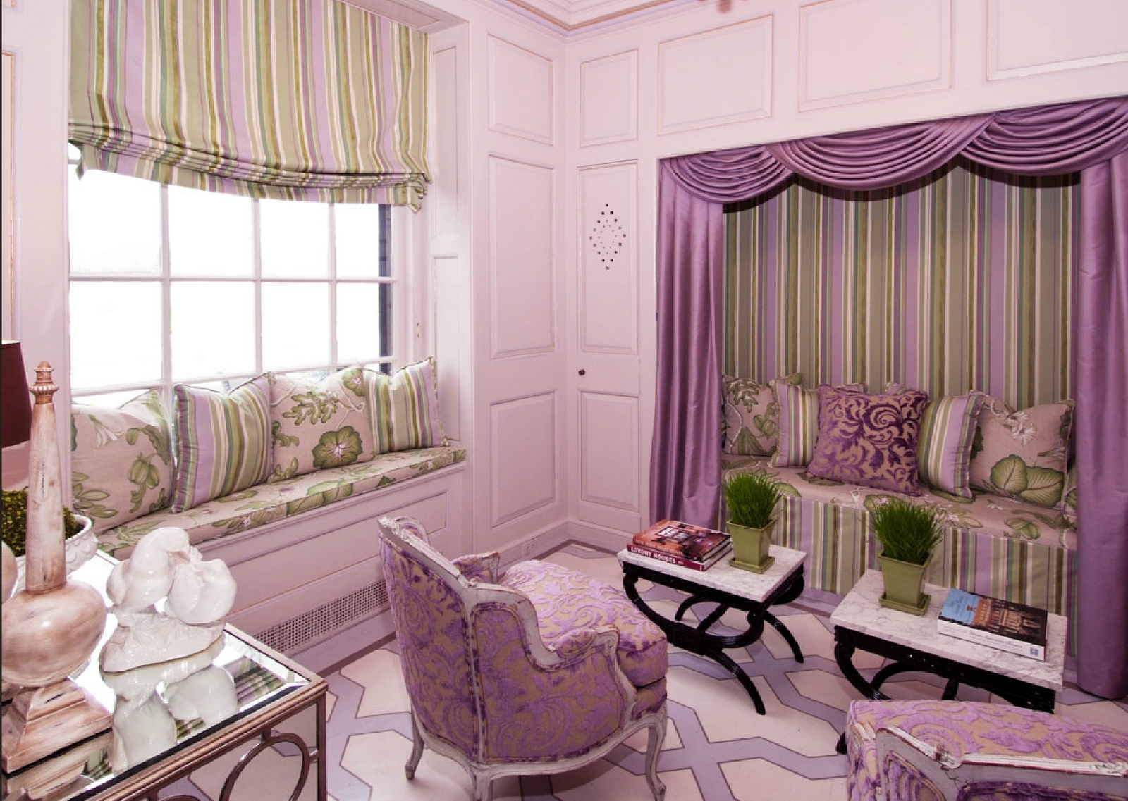 http://www.home-designing.com/wp-content/uploads/2013/02/4-teen-girls-bedroom-7.png