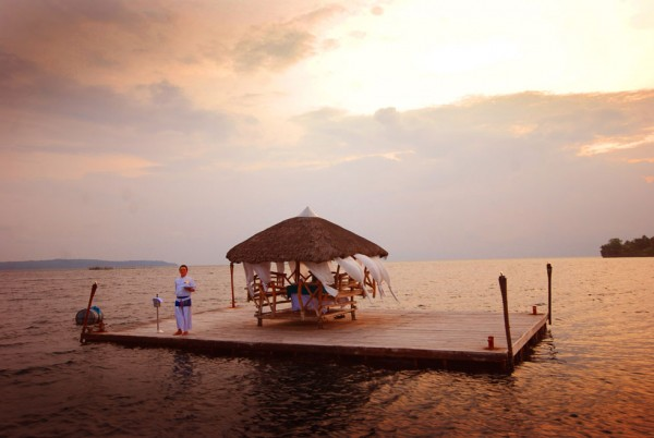 Pearl Farm Hotel- floating dinner on raft bungalow