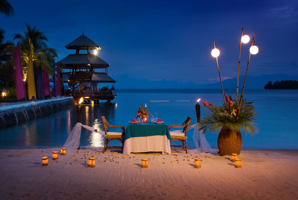 The most romantic beautiful places in the world 2014 for Romantic dinner