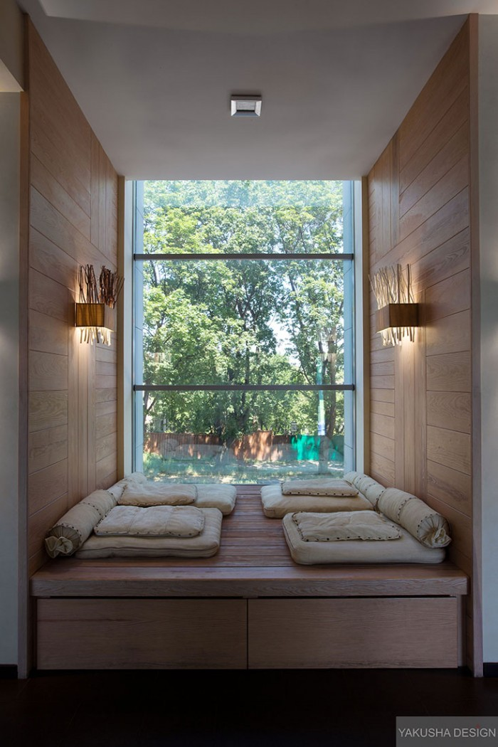 recessed reading nook window with mini day beds