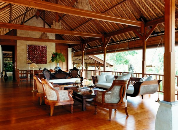 Como Shambhala Estate Bali- guest lounge in traditional balinese pavilion