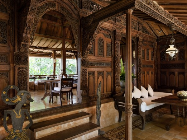 Como Shambhala Estate Bali- traditional balinese aesthetic restaurant interior
