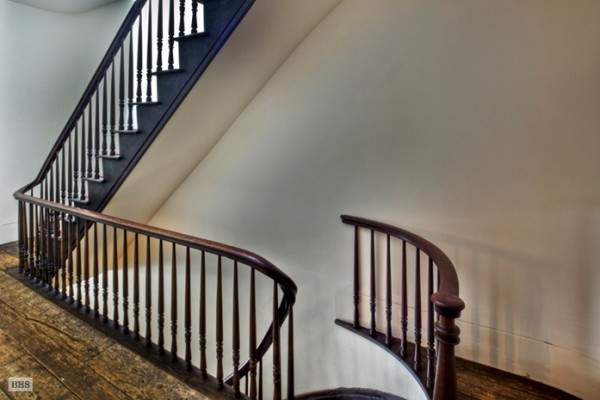 annie lebovitz apartment staircase