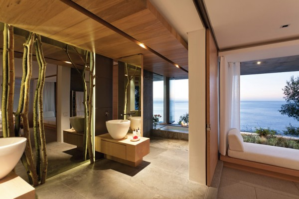 modern coastal house bedroom bath