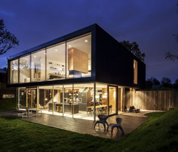 Fertighaus villa modern  Villa V by Paul de Ruiter Architects