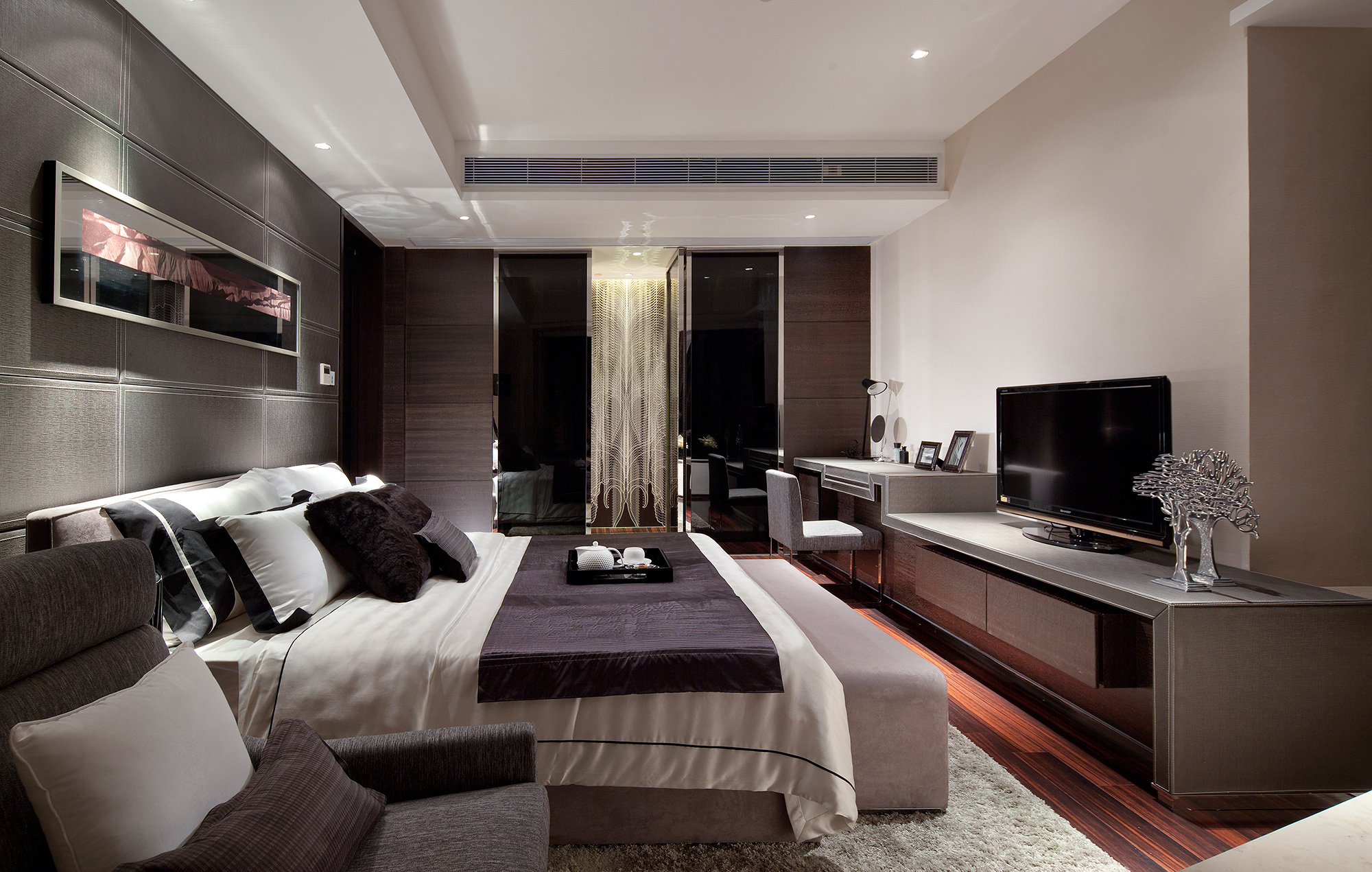 Synergistic modern spaces by steve leung for Luxury modern bedroom