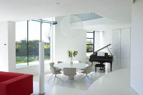 Minimalist Tower Home Dining Room 1