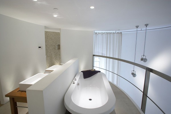 Minimalist Tower Home Master Bathroom 2