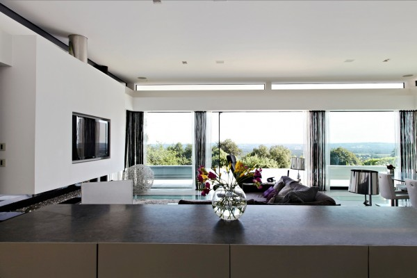 Contemporary Home Open To Panoramic Views Posted 12 Aug 2013 07 36 AM