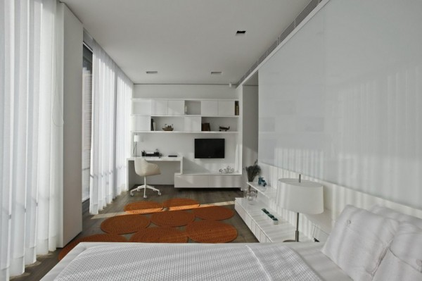 linear guest room