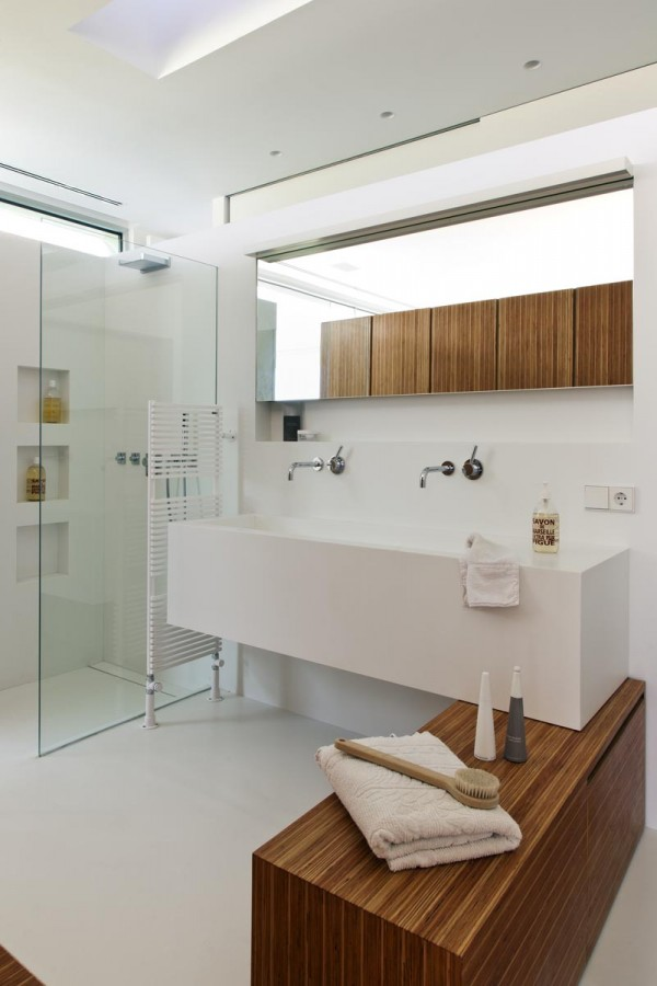 12 clean modern bathroom