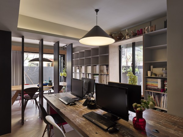 clean office workspace 600x450 - Dreamy Ideas For Decorating Small House