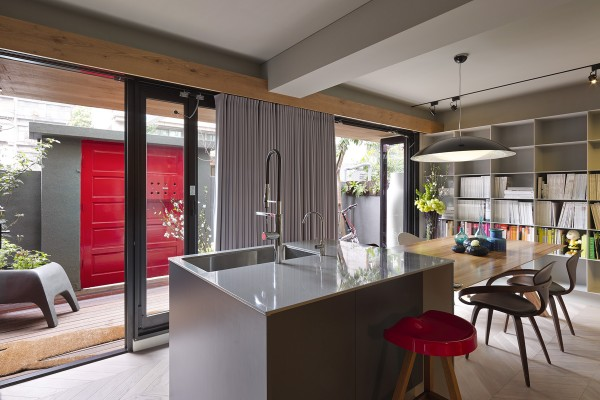 sliding glass doors 600x400 - Dreamy Ideas For Decorating Small House