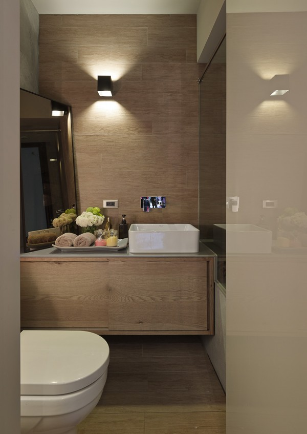 space efficient bathroom 600x847 - Dreamy Ideas For Decorating Small House