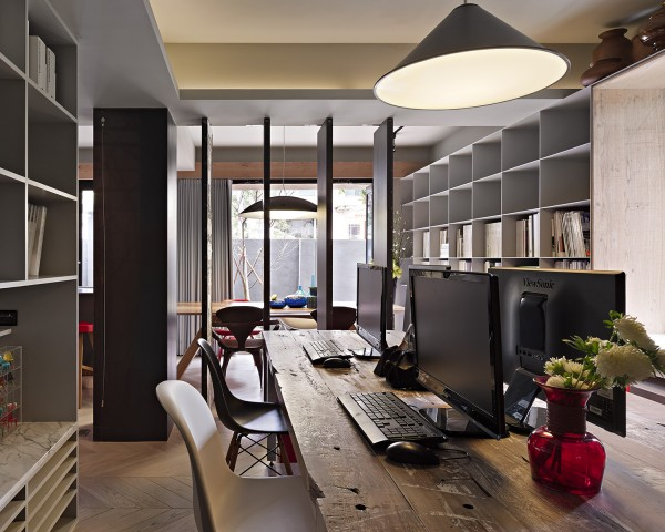 workspace natural light 600x480 - Dreamy Ideas For Decorating Small House