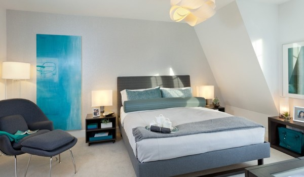 bright modern bedroom 600x350 - Colorful Interiors