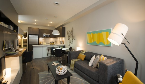 funky modern living area 600x350 - Colorful Interiors