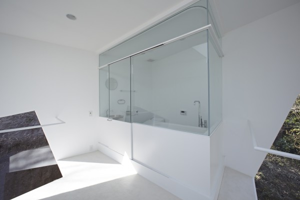 A bathroom is not the most unusual place to see a cube shape used, but this particular one is encased entirely in glass. The removed location of the cabin allows anyone inside the room to see all the way to the outside while still maintaining privacy, which is perhaps the ultimate luxury.