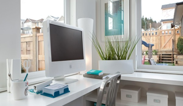 modern office 600x350 - Colorful Interiors