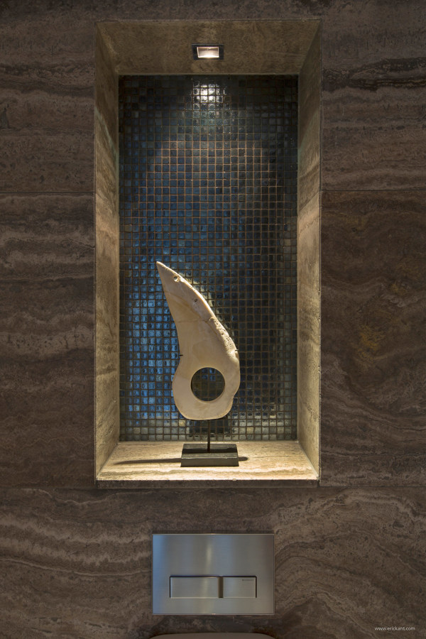 sculpture display nook