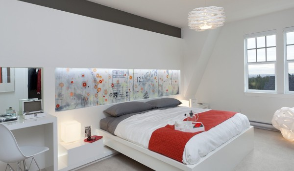 whimsical bedroom decor 600x350 - Colorful Interiors