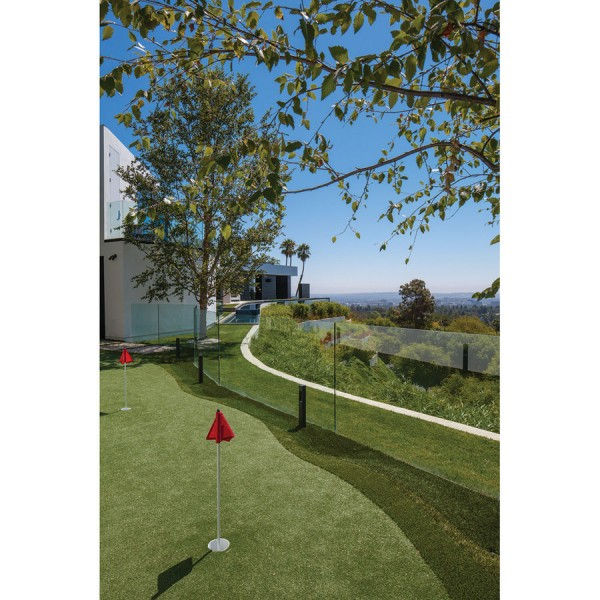 The professional PGA-inspired putting green.