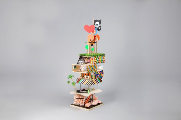 This untitled funky pirate tower comes from Morag Myerscough & Luke Morgan in association with artists Ishbel Myerscough, Chantal Joffe and poet Lemn Sissay.
