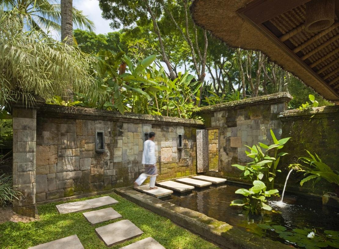 Como Shambhala Estate: Yet Another Stunning Bali Retreat on Backyard Feature Walls id=19087